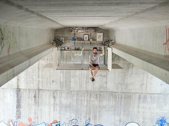 天桥下的私密悬空工作室
