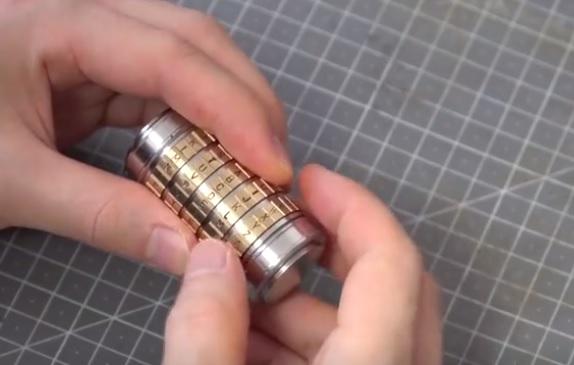 用螺栓打造微型保险箱,小偷再厉害也打不开