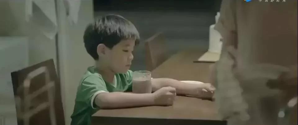 泰国感人广告《在努力一点点》做妈妈不容易