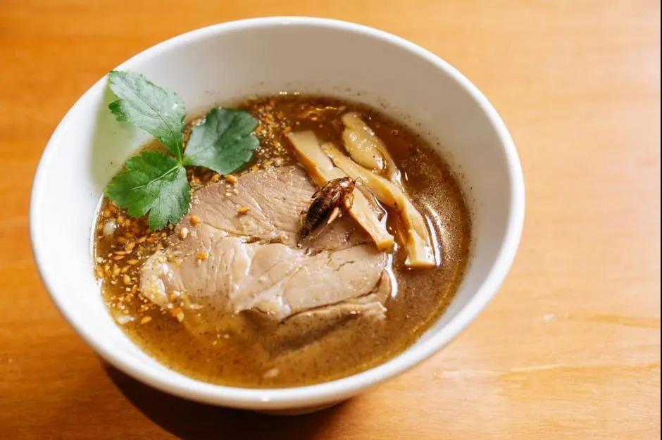 日本重口味料理蟋蟀拉面 你敢试吗?