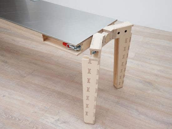 多功能可旋转工作桌