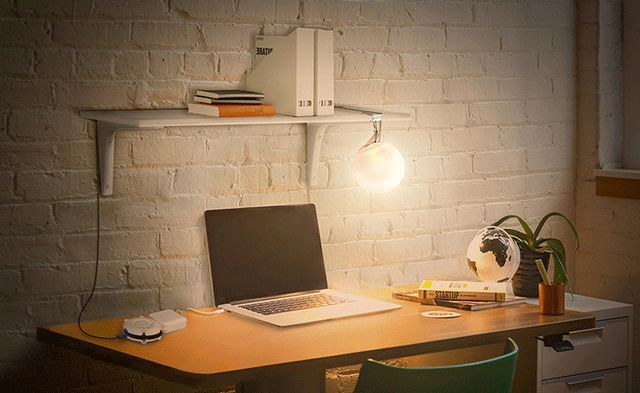 这盏灯不仅能变色,还能随意折叠拍打又防水