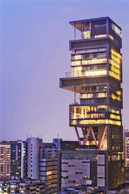 印度首富私人豪宅 耗资70亿人民币 一家6口600工人侍候