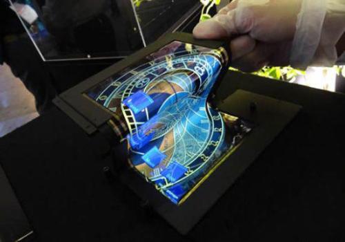 日本厂商展出8.7英寸可折叠触摸屏幕 可折叠十万次