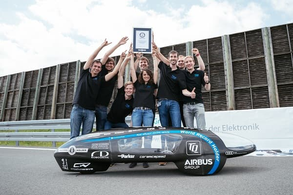 一度电跑1230公里 全球最高效电动车诞生