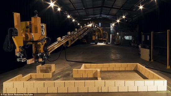 Hadrian X砌砖机器人 搬砖也要失业了