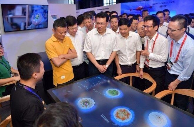马云无人餐厅正式在杭州开业