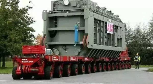 中国黑科技SMPT,载重5万吨,1152个车轮