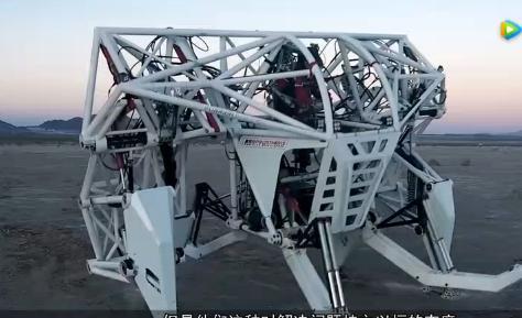 现实版《环太平洋》机械巨兽 足有两层楼高