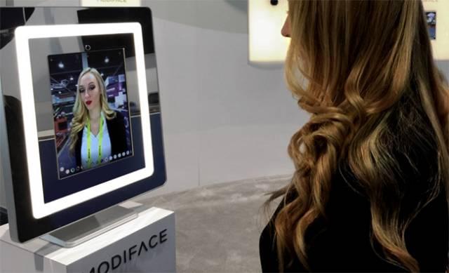 加入VR技术的化妆镜子,可实时虚拟各种化妆效果