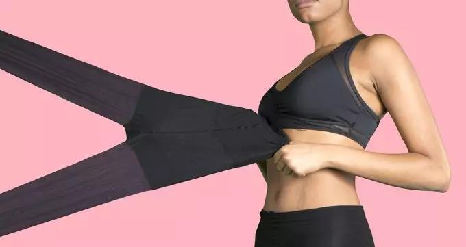 撕扯不烂的丝袜 坚韧度可承受一个成人重量