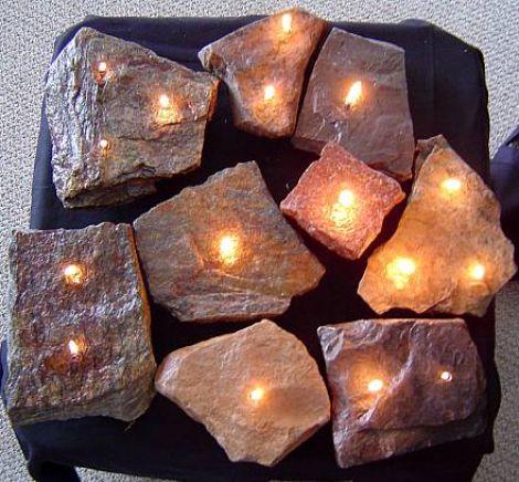 石块做成的煤油灯