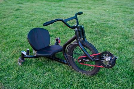 好玩的竞技小车-产品描述-玩意儿
