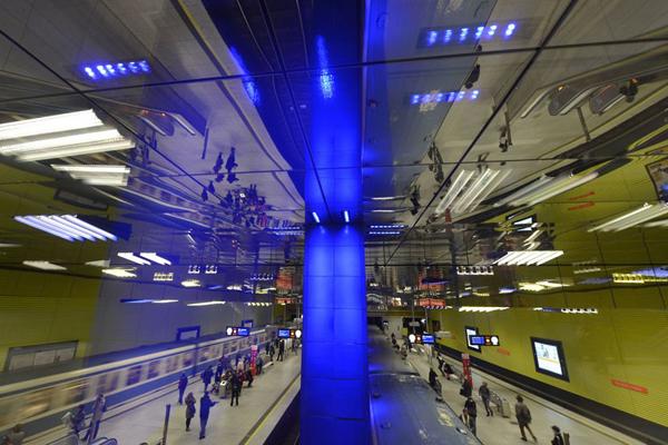 Muenchner Freiheit地铁站,慕尼黑