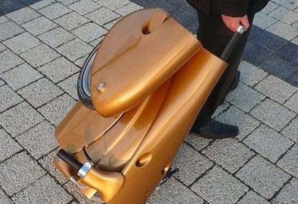 拉杆行李箱式电动车