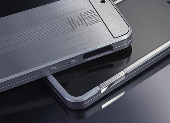 超抗压钛合金Iphone6外壳 售价2000美元