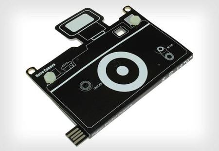 日本廠商推出超薄紙板相機
