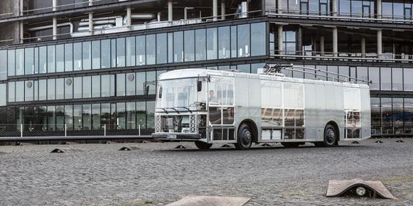 立陶宛的透明电动巴士