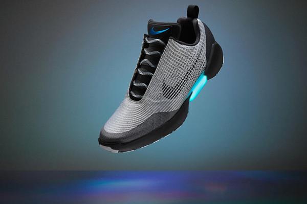 耐克发布自动系鞋带运动鞋 HyperAdapt 1.0