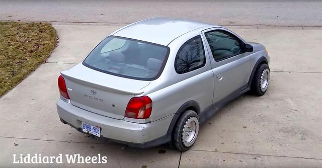 这车轮能让汽车原地打转