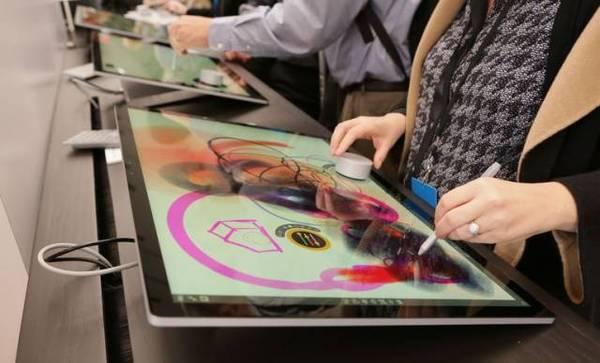 微软发布Surface Studio一体机 附带一个圆柱形神器