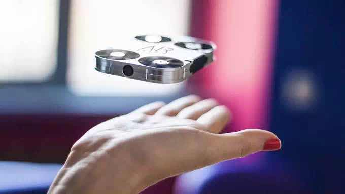 Airselfie能自拍更能装B的迷你航拍神器