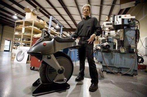 老外花135万耗时8年为女儿打造《七龙珠》同款独轮摩托车