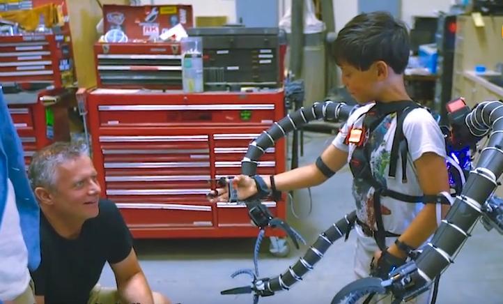 19岁小伙炒比特币赚千万,耗资300万研发章鱼机械臂