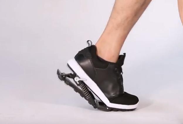 """跑鞋中的""""劳斯莱斯""""!穿了它,跑的轻松还能降低各种损伤"""