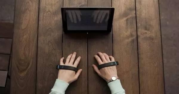 TapStrap手指戴上它,就能隔开打字-创意网