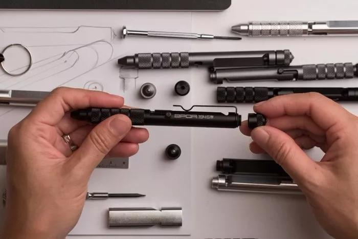 野外探险专用笔,坚硬无比,还能生火