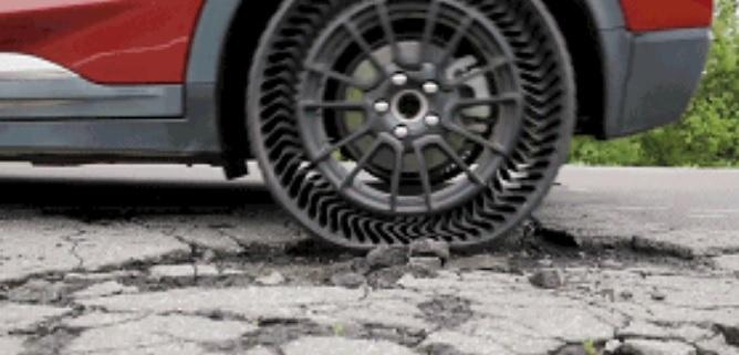 米其林推出不用打气永不爆胎的轮胎,碰到钉子