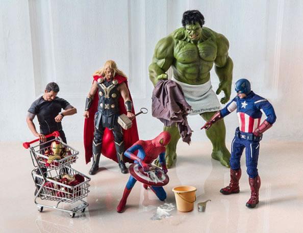 """超级英雄们的""""日常生活"""""""