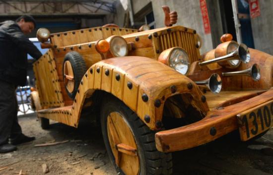 纯手工打造木质电动老爷车
