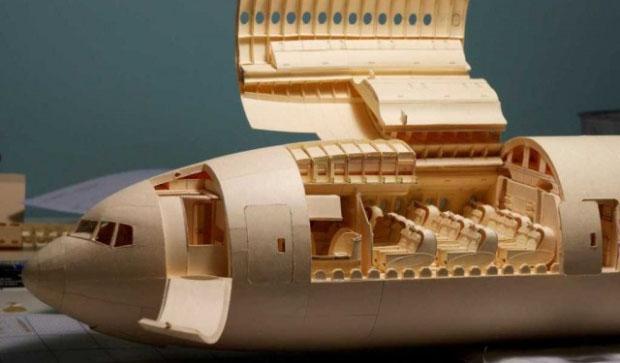 波音777客机纸模型 英国牛人花7年打造