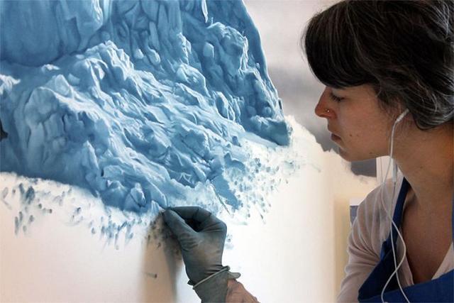 真假难辨!用粉笔绘画出冰川