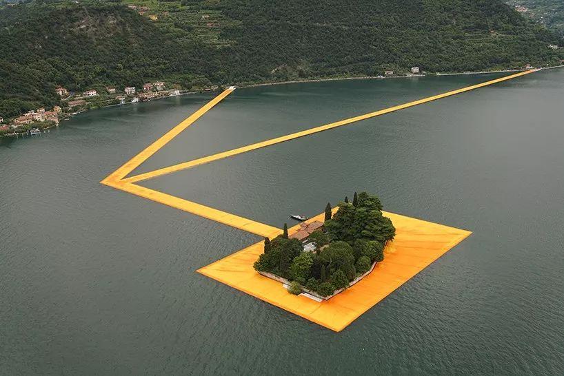 浮在水上的黄金大道,艺术家修个桥都很独特